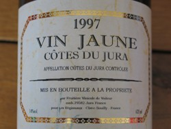 medium_vin-jaune-jura.jpg