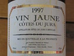 medium_vin-jaune-jura.jpg